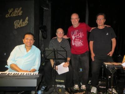 Show no Beco das Garrafas em 2015 com os músicos Moisés Pedrosa, André Gonçalves e Moacyr Neves